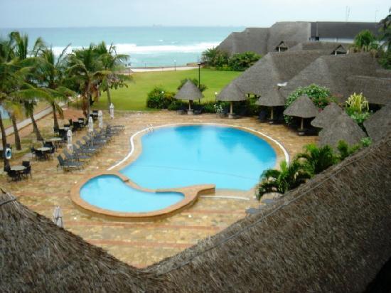 سي كليف هوتل: View of pool