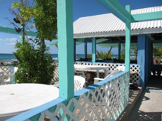 Tradewind Guest Suites on Salt Cay : restaurant