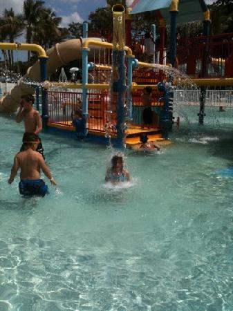 Coconut Cove Waterpark: Fun, fun, fun!!!!