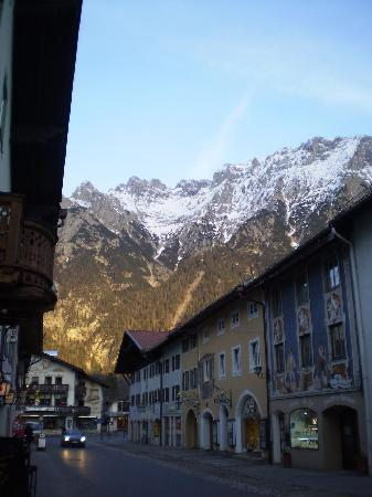 Alpenrose Traditionsgasthof: Street view