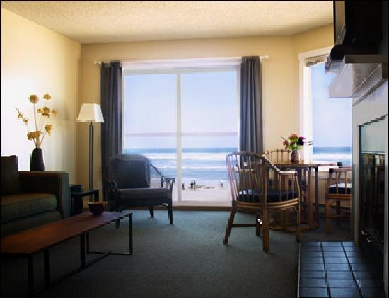 Land's End at Cannon Beach: oceanfront suite