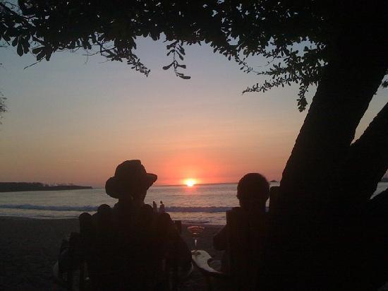 Casa Bambora: Sunset at Tamarindo Beach
