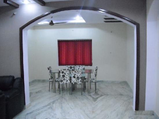 JB Serviced Apartments : Dining Hall
