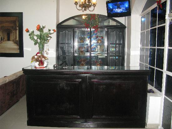 Hotel La Casona : Front desk