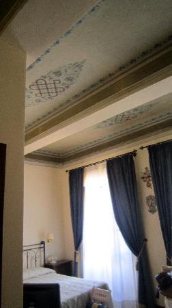 Palazzo Fani Mignanelli: nice ceiling