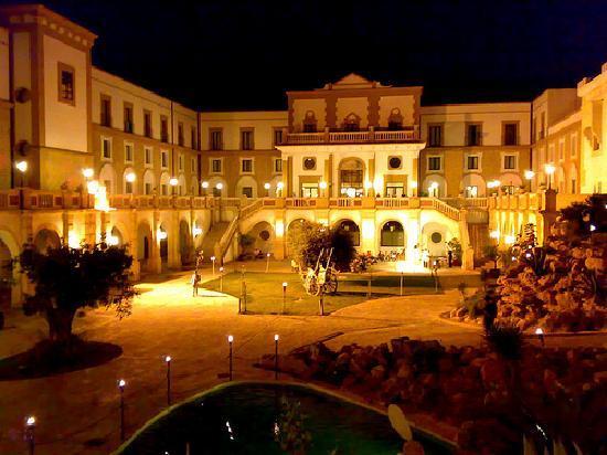 Hotel Baglio Basile: la facciata
