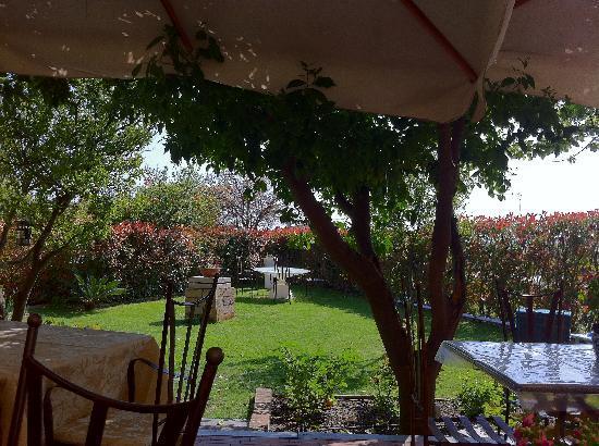 Ristorante dal Cacini: giardino