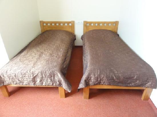 Riverside Hotel: Beds