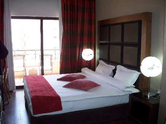 Days Hotel Aqaba : Room