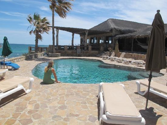Rancho Leonero Resort: Nice pool and dining / Bar terraces