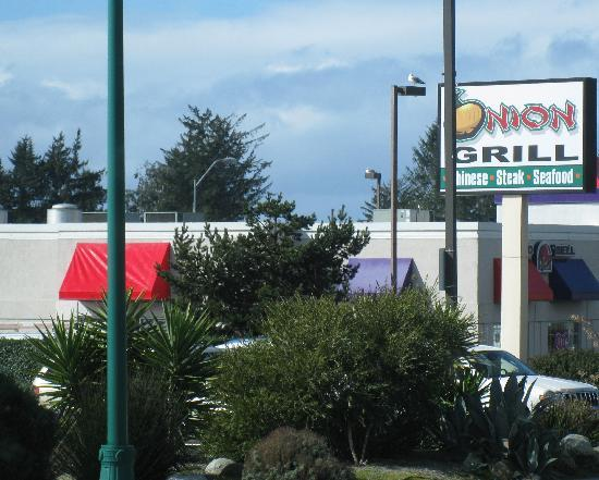 Onion Grill Steak & Seafood: Brookings, Oregon - Onion Grill restaurant