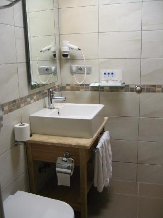 Hotel Venera: Bathroom