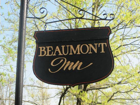 Beaumont Inn: Beaumont Sign