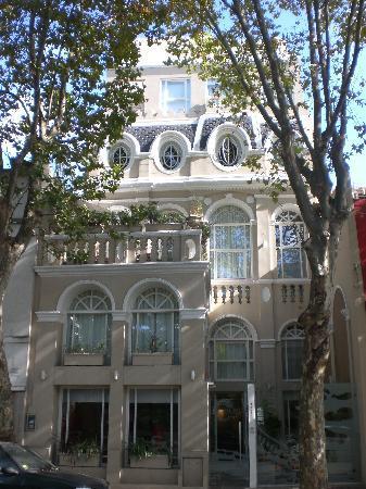 Rendez Vous Hotel Buenos Aires: Fachada del hotel Rendez-Vous