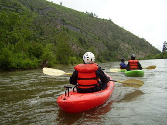 10,000 Waves Raft & Kayak Adventures: Kayak Tours
