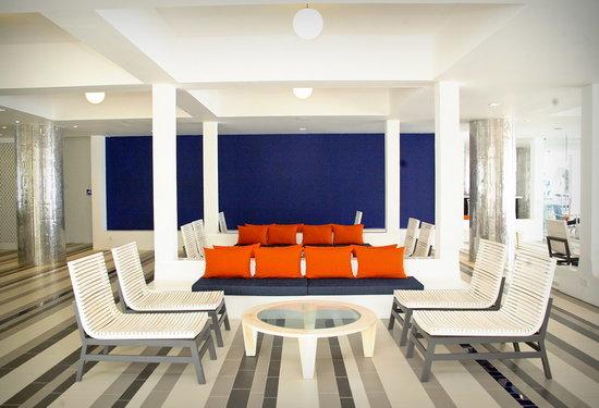 โรงแรมชายา บลู ทรินโคมาลี: Lobby area