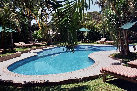 Hotel Dos Mundos: Piscina