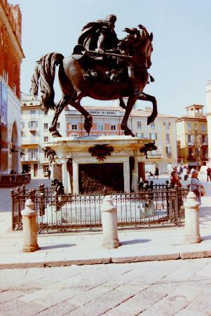 Piacenza, Italy: Piazza Cavalli