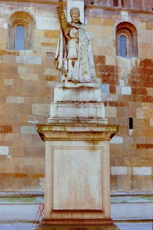 Piacenza, Italy: Säulenheiliger neben dem Dom