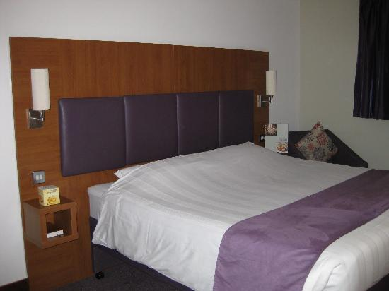 Premier Inn London Kew Hotel: Room View 1