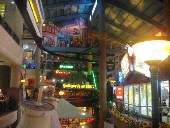 Genting Highlands, Malaysia: Lookout over indoor park