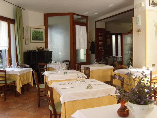 Laveno-Mombello, อิตาลี: sala ristorante