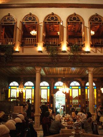 Al Khawali Restaurant: Innenhof