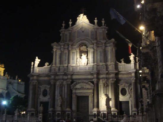 Catane, Italie : Il Duomo