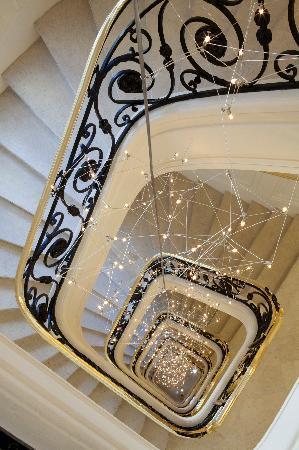 Le Bristol Paris: Stairs