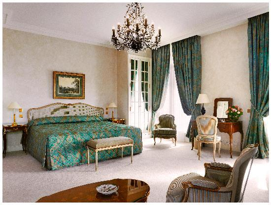 Le Bristol Paris : A Junior Suite