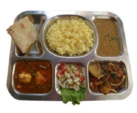 Chusska, Indian Vegetarian Restaurant : Veg Thali at Chusska Restaurant