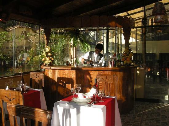 Ccapac Inka Ollanta Boutique Hotel: CAFETERIA - RESTAURANTE - BAR