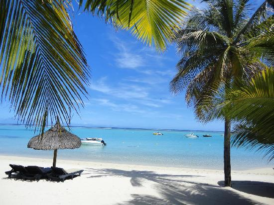 Paradis Beachcomber Golf Resort & Spa: beach