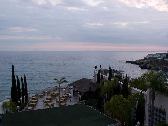 Toboso apar-turis Hotel: View from our room over the Mediterranean