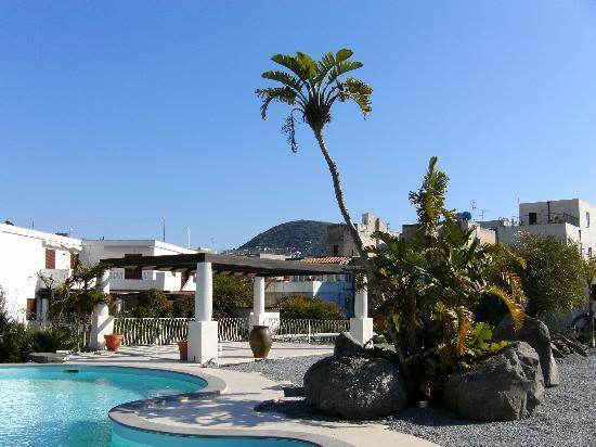 Residence Hotel La Giara: Anfang März am Pool