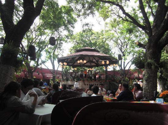 Tlaquepaque, México: Innenhof im El Parián