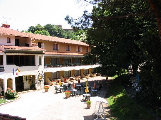 로지스 레 마스 플루어리 호텔