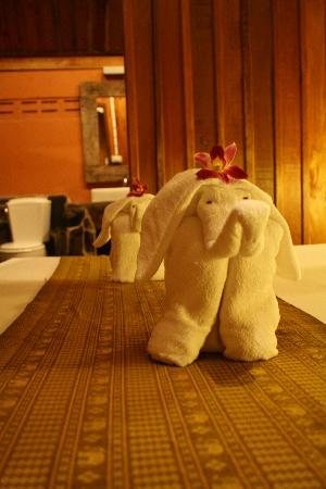 Buddha View: A nice touch with the towels.