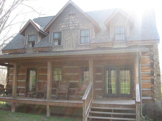 Twin Oaks Lodge