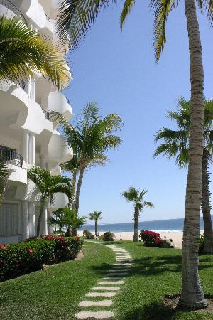 San Jose Del Cabo, Messico: Walkway at the Mykonos condos