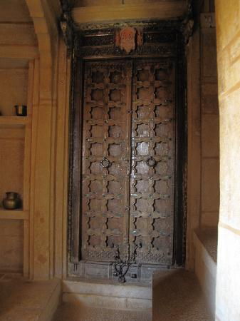 Hotel Shreenath Palace : my door!