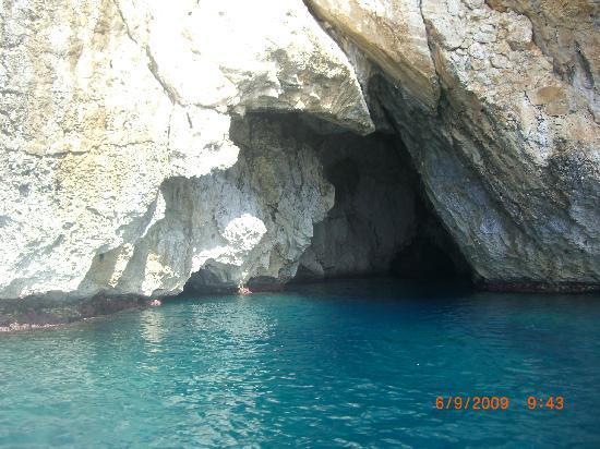 Santa Maria di Leuca, Italy: grotte e costa di Leuca adriatica