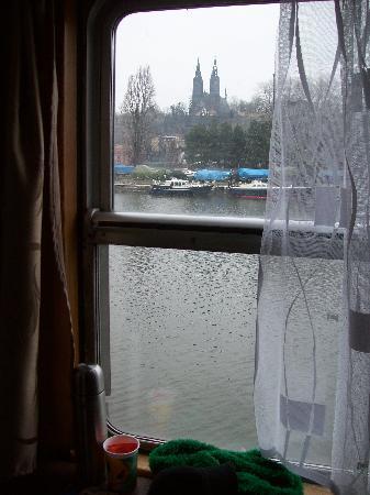 Botel Vodnik - Prague River Hotel: Vista desde la ventana de la habitación