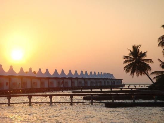 Cinnamon Hakuraa Huraa Maldives: Sunset
