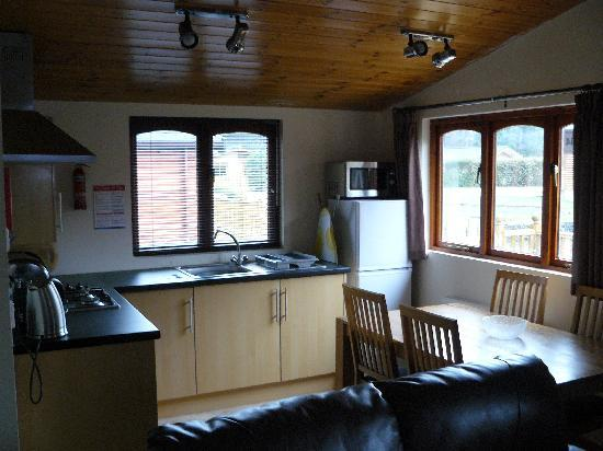White Cross Bay Holiday Park: Inside deluxe lodge
