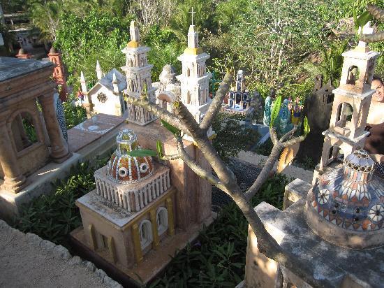 Grand Bahia Principe Coba: un cimetière étonnant ( Xcaret)