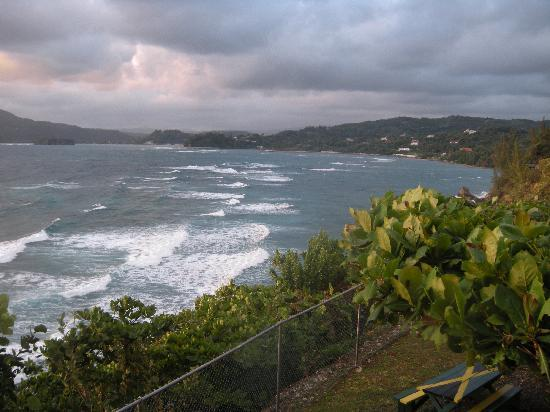 Galina Breeze : Surf View from Room