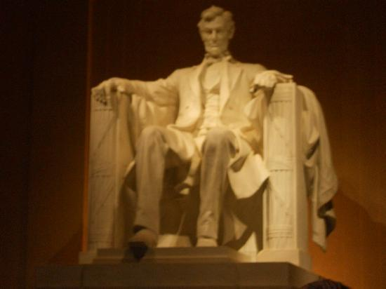 Lincoln Memorial : Lincoln on high