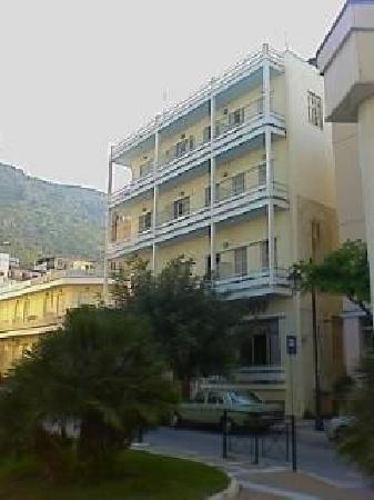 Loutraki, Grécia: Hotel Mitzithras