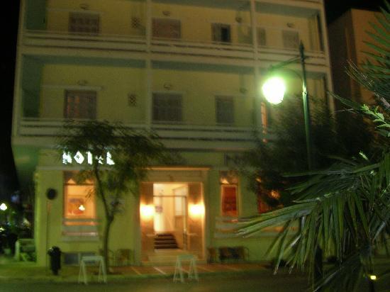 Лутраки, Греция: Entrata principale